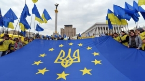 The EU flag was a prominent symbol of Ukraine's Euromaidan (img.pravda.com.ua)