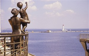 Bronze statue of a mother and child in Odessa (Rex Features)