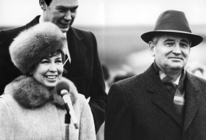 Mixed Russian-Ukrainian Soviet leader Mikhail Gorbachev and his Ukrainian wife Raisa.