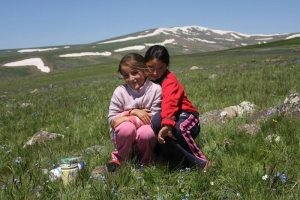 Yazidis Girls Near Mt. Aragats, Armenia (Bo Løvschall)