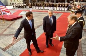 Former Georgian Defense Minister Alasania with former US Defense Secretary Hagel and US Ambassador to Georgia Richard Norland. (DefenseImagery.mil)